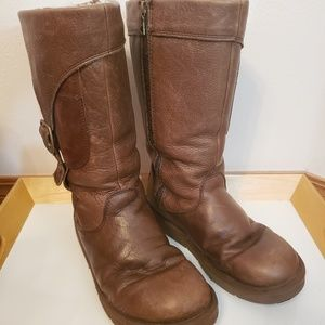 Ugg Australia brown leather zip up boots size 8